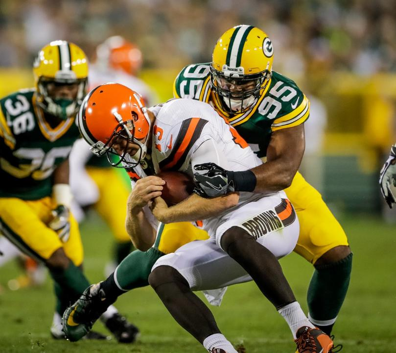 temp160812-packers-browns-second-group-siegle-9--nfl_mezz_1280_1024